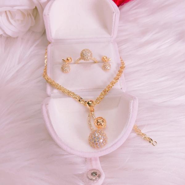 Bộ trang sức vàng 18k GADO S03DM021B027N053, bộ trang sức nữ đẹp đá pha lê sáng siêu lấp lánh lung linh thiết kế sang trọng quý tộc đẳng cấp - dùng đi tiệc cực kì sang trọng