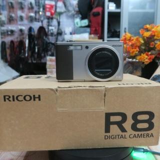 Máy ảnh Ricoh R8 fullbox đẹp xuất sắc thumbnail