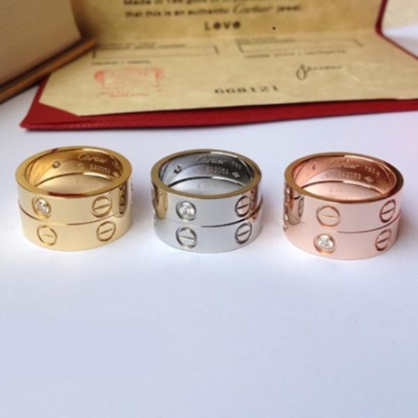 Nhẫn titan ko đEn xinh xắn NT01