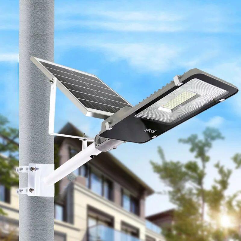 Đèn đường năng lượng mặt trời tấm PIN rời 100W Có remote Có giá đỡ gắn đèn BH 12 tháng IP65 218 led siêu sáng