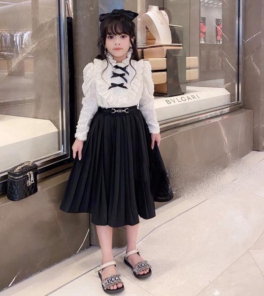 Giá bán Sét áo váy đầm bé gái size đại áo lông chân váy xếp li cho bé gái từ 18kg đến 35kg( màu trắng kem, hồng tím)
