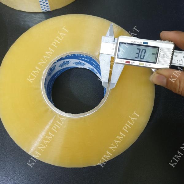 Mua Băng keo trong siêu dính 1kg, trọng lượng thực cuộn = 1.03kg, 50 micx4.65mm, Lõi Giấy chỉ 3mm ,Băng keo màu trong 1,03 kg 450Met Chuẩn. Băng dính 1kg nguyên trừ lõi, Băng Keo Dán Thùng, Băng keo băng dính Trong và Đục