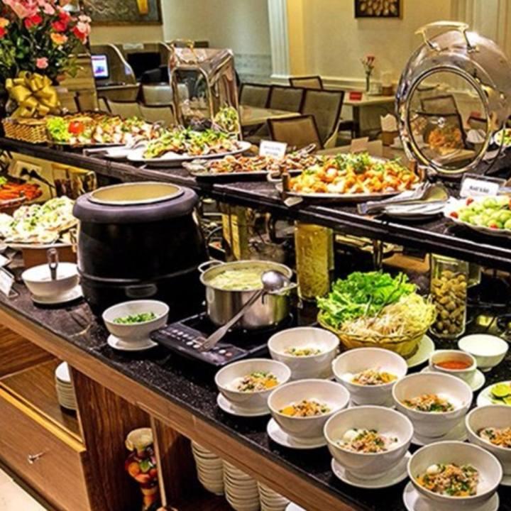 HCM - Buffet Trưa trên 40 món hấp dẫn tại Khách sạn Blue Diamond 3 Sao