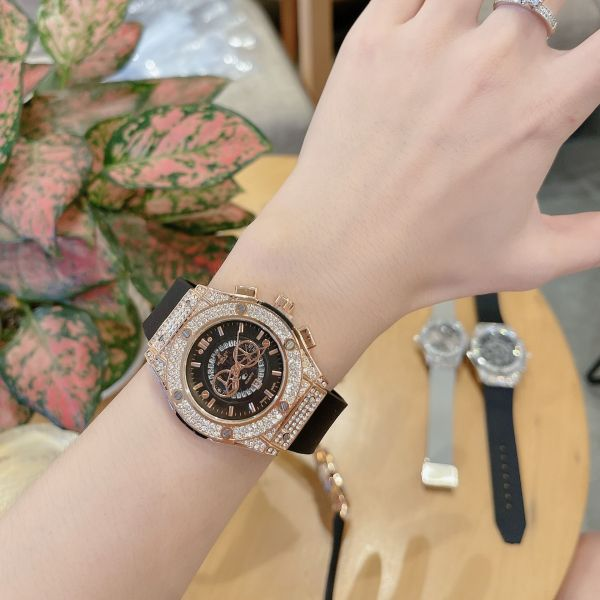 Nơi bán Đồng hồ nữ hblot dây thơm vani sang trọng , đẳng cấp , tặng kèm hộp da cao cấp