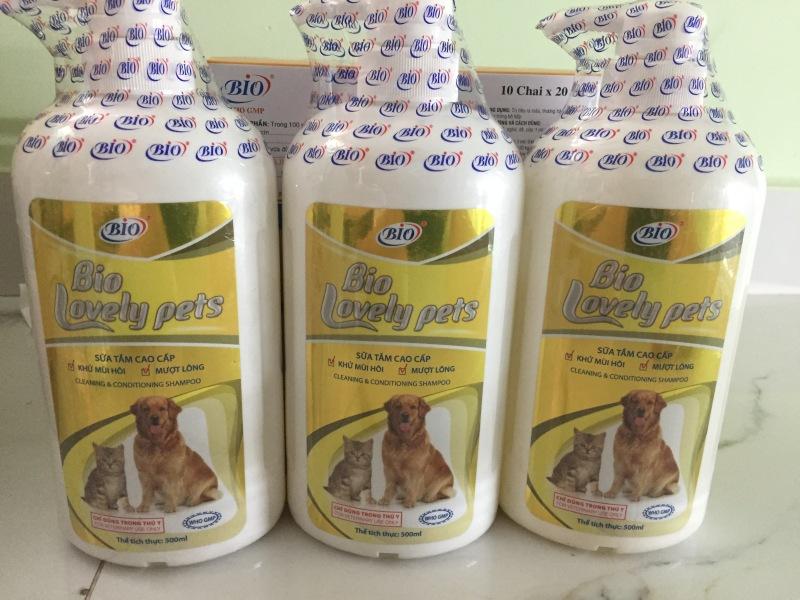 Sữa tắm cao cấp Bio-Lovely Pets 500ml khử mùi hôi, mượt lông cho chó mèo