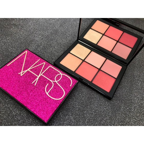 Bảng phấn má Limited Edition NARS Free Lover Holiday Makeup Collection