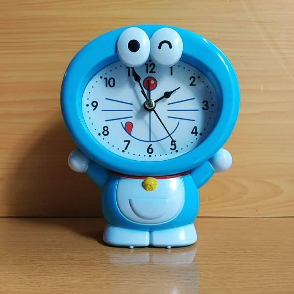 Nơi bán Đồng hồ để bàn có báo thức - Đồng hồ để bàn Doremon