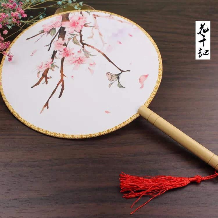 Quạt tròn cổ trang chất lượng mẫu hoa cổ phong