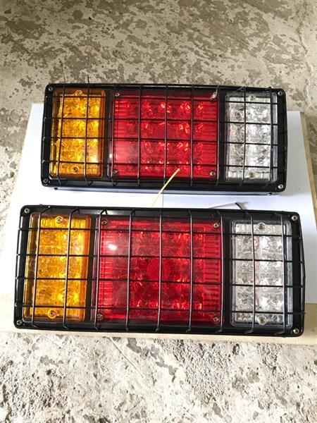 Đèn Hậu led 3 Nắp Lệch có miếng bảo vệ