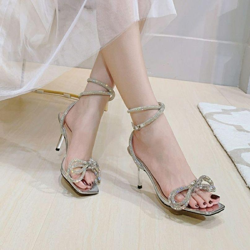 sandal nữ cao gót đính đá viền quai lấp lánh tiểu thư sang chảnh TẶNG TẤT KHỬ MÙI trị giá 15k khi mua sp tại BITBOT giá rẻ