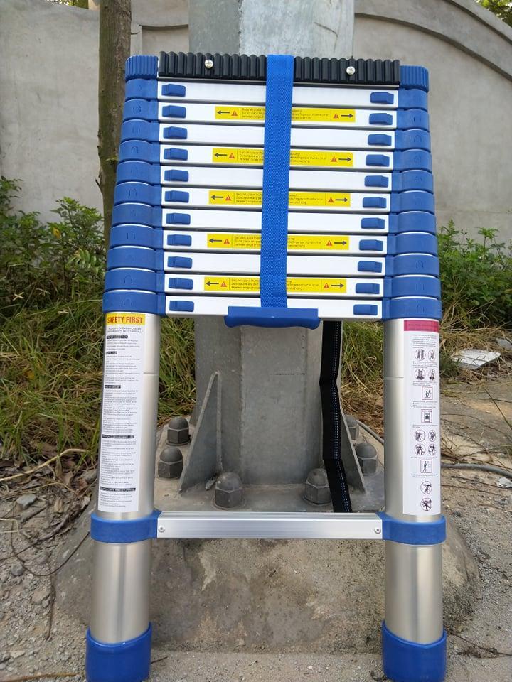 Thang nhôm, thang rút, thang nhôm rút 3m8 đai xanh, cực kỳ chắc chắn, có đai nhựa chống trượt an toàn