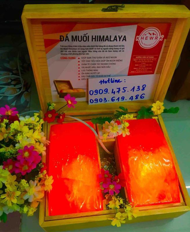 Hộp Đá Muối Himalaya Loại 2 viên Cao Cấp - Tặng 1 bịch muối tắm 300gr và 2 bóng đèn thay thế!!!(tặng 1 hộp muối ăn Himalaya 500gr khi mua 3sp trở lên) cao cấp