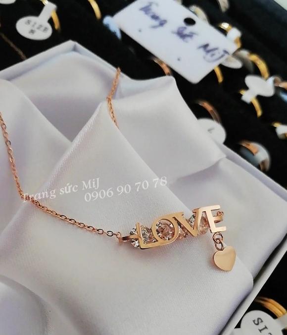 DÂY CHUYỀN TITAN CHỮ LOVE VÀNG HỒNG