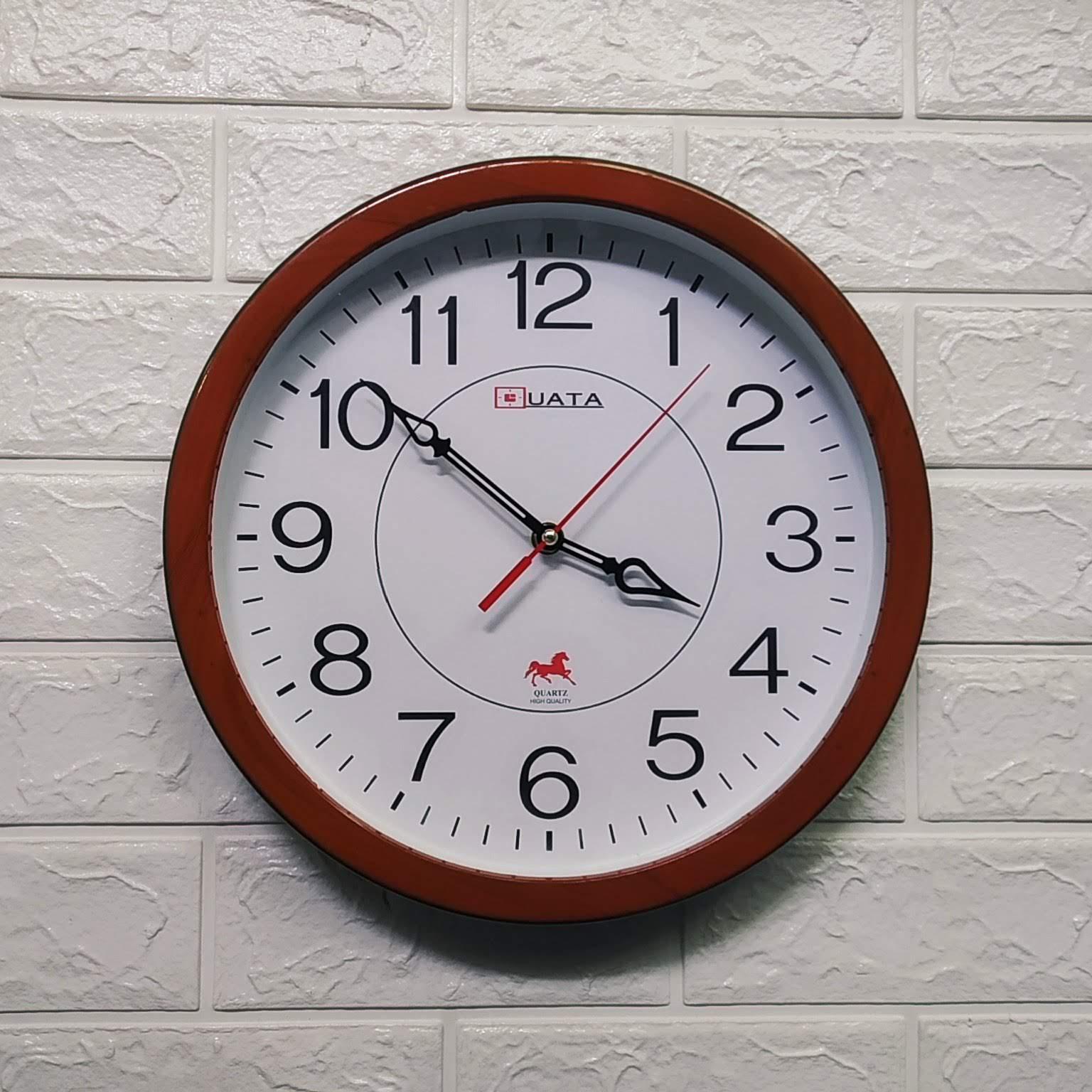 Nơi bán Kim giật - Đồng hồ treo tường hình tròn viền giả gỗ -  Size 30cm -  Đồng hồ treo tường kim giật