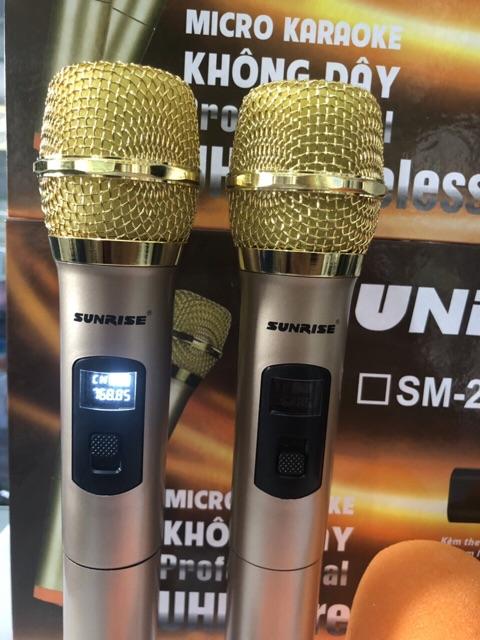 Micro karaoke, micro không dây, micro karaoke   shure 20 hãng   bluetooth có màn hình LCD, hát nhẹ và êm,dành cho loa kéo, dàn amly có cổng mic jack 6.5, bảo hành 1 năm