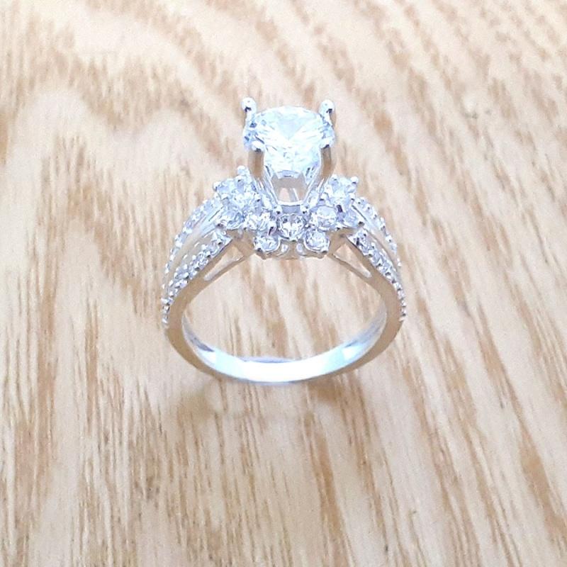 Nhẫn nữ bạc kết đá tấm  ổ cao gắn đá kim cương nhân tạo 100% chất liệu bạc thật không xi mạ có thể chỉnh size theo yêu cầu - QTNU56