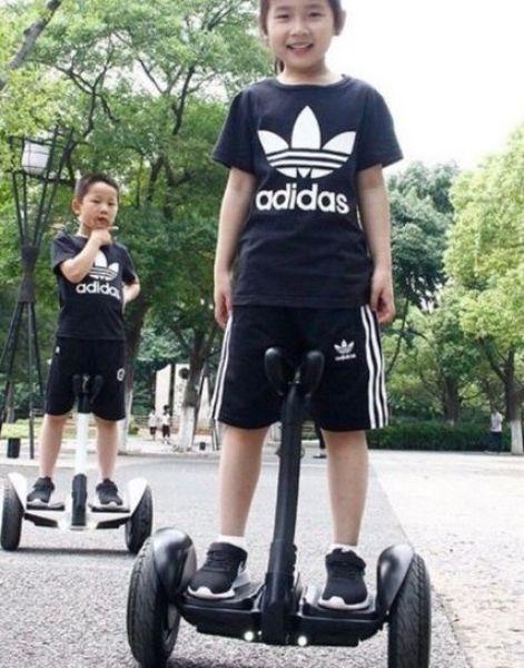 Giá bán Xe cân bằng thế hệ mới - xe cân bằng 2 bánh - xe cân bằng điện - xe cân bằng cho bé