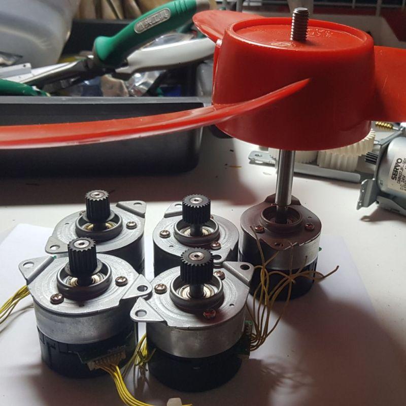 Motor không chổi than Nidec12-24V