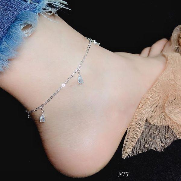 Lắc chân bạc thật