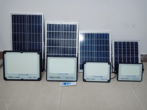 Đèn Năng Lượng Mặt Trời Solar Lamp 300W- Mẫu 2020, Có Đèn Báo Pin, Chống Mưa Ip67