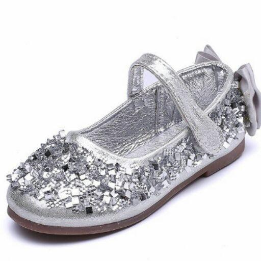 Giá bán giày công chúa bé gái