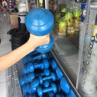 1 cục tạ tập tay 2kg, tạ nhựa 2kg, tạ 2kg vỏ nhựa, ruột xi-măng non hỗ trợ các bài tập cho nữ, trẻ em, người mới tập tạ tay thumbnail