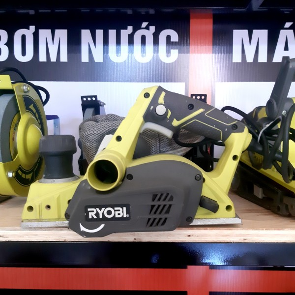 Máy bào gỗ điện Ryobi 780W