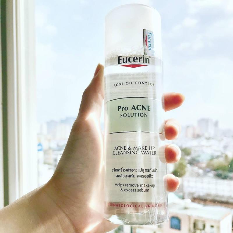 Nước tẩy trang loại bỏ chất nhờn dành cho da mụn Eucerin Micellar Water 200ml nhập khẩu