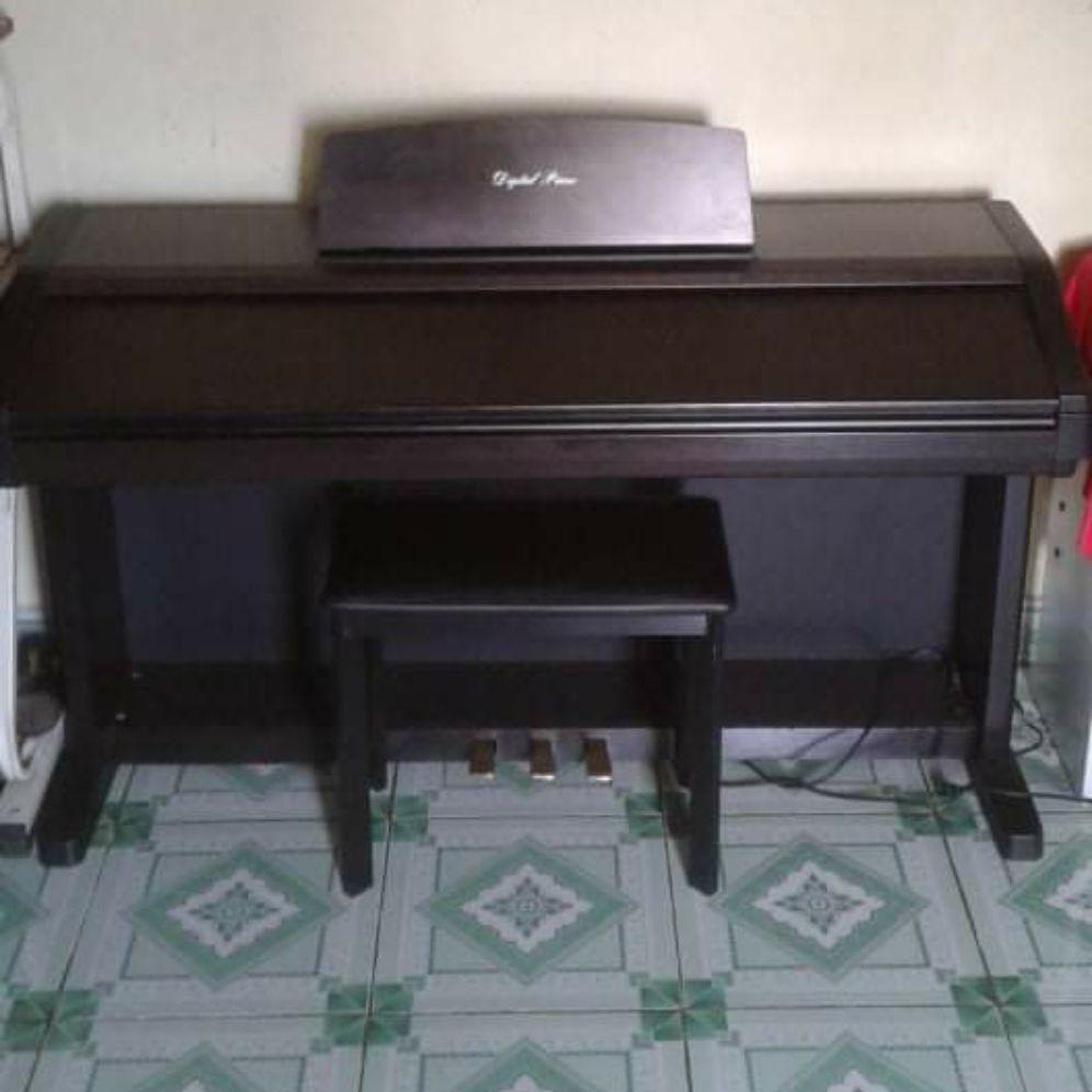 Piano Pw 400