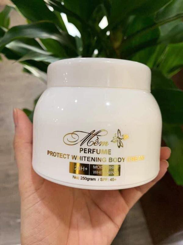 Kem dưỡng trắng body Mềm A cosmetics mẫu mới hương nước hoa, giúp da trắng sáng, mềm mịn