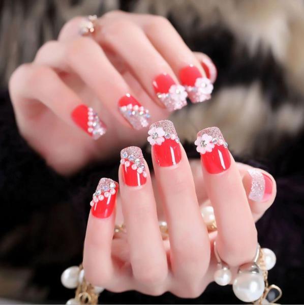 Bộ 24 móng tay giả đỏ đính đá hoa (keo sẵn+miếng dán+dũa)