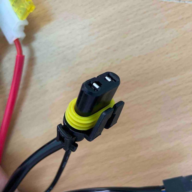 Bộ Rơle( relay) dây, rắc lắp cho đèn bi xenon (đèn chính hoặc đèn gầm) 40A-12V. An toàn cho điện xe
