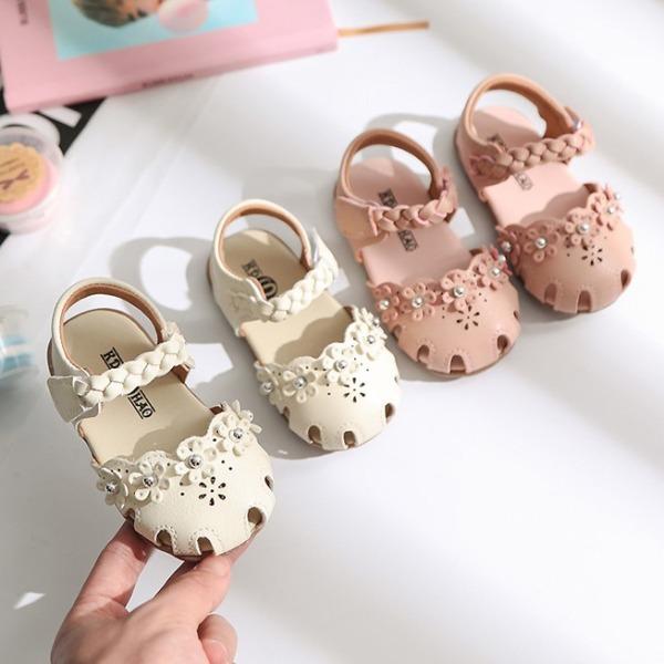 Giá bán Giày tập đi em bé bông hoa đế mềm ( 258 ), chất liệu cao cấp, bền, nhẹ, mềm mại và êm chân, thiết kế tinh tế, di chuyển dễ dàng và thoải mái