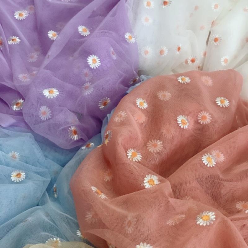 Vải Lưới Thêu Hoa Cúc