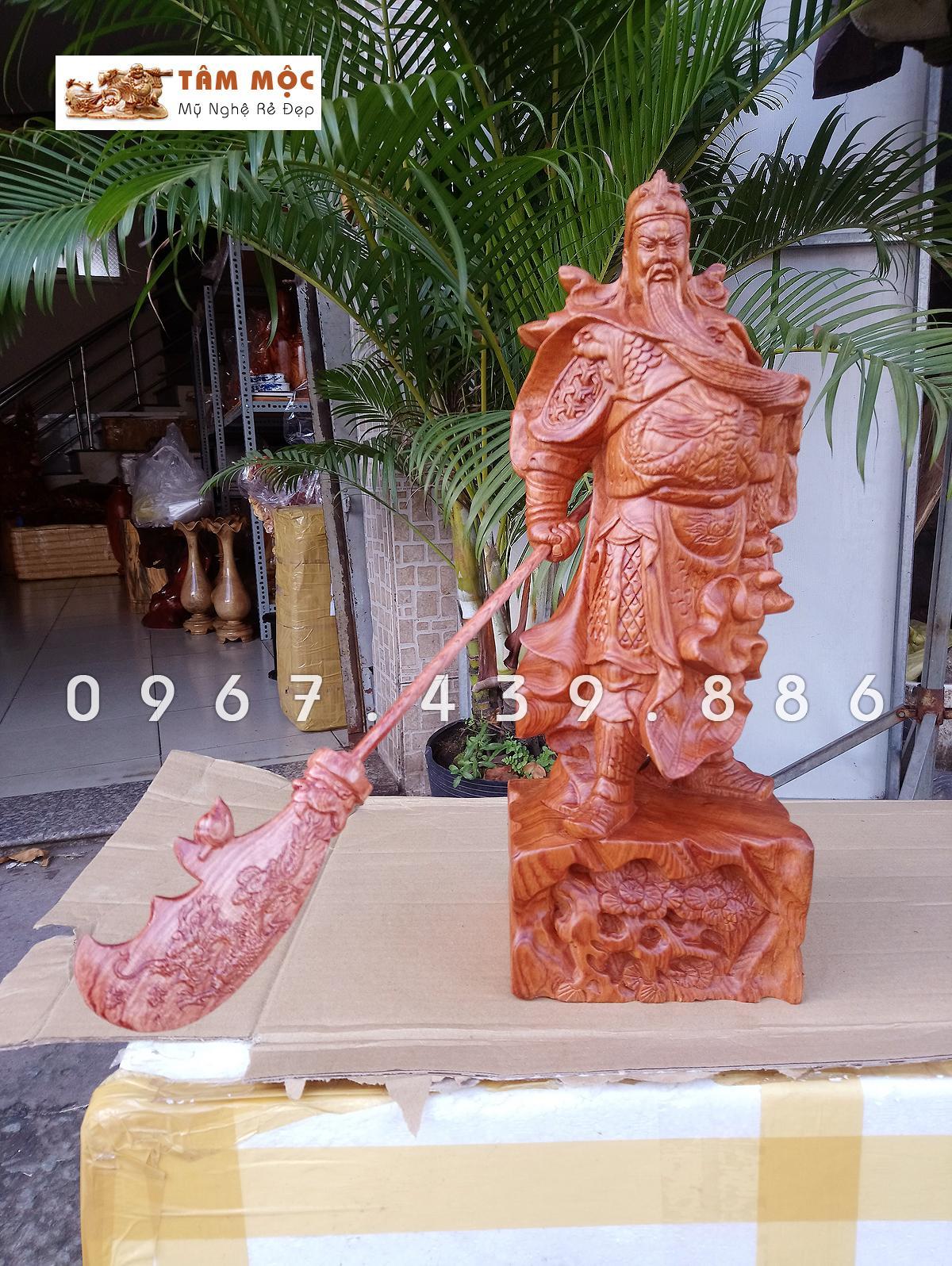 Mua Tượng gỗ Quan Công vuốt râu gỗ hương cao 40cm