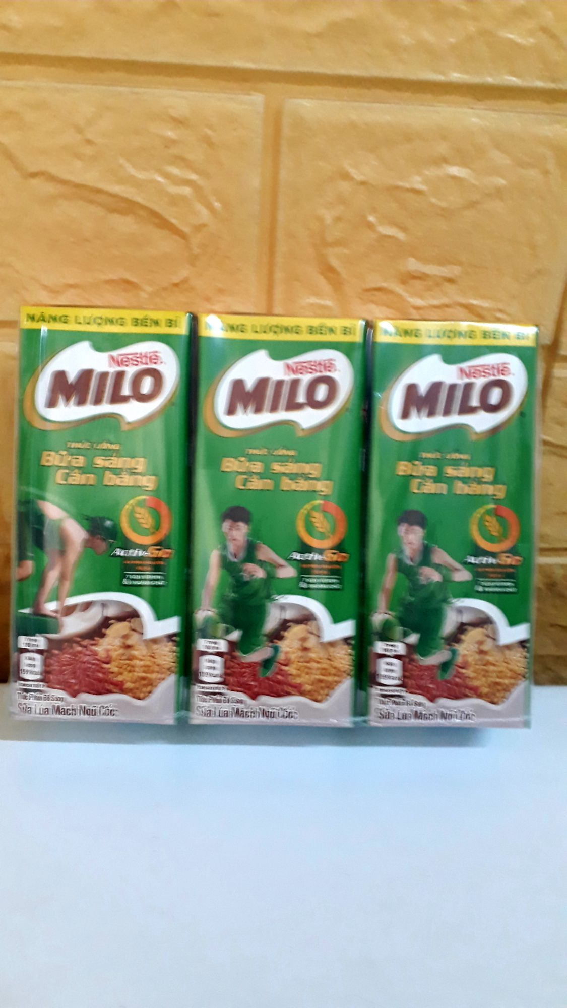 Sữa Milo Lúa mạch ngũ cốc lốc 3 hộp 180 ml ( 5 lốc=15 hộp)