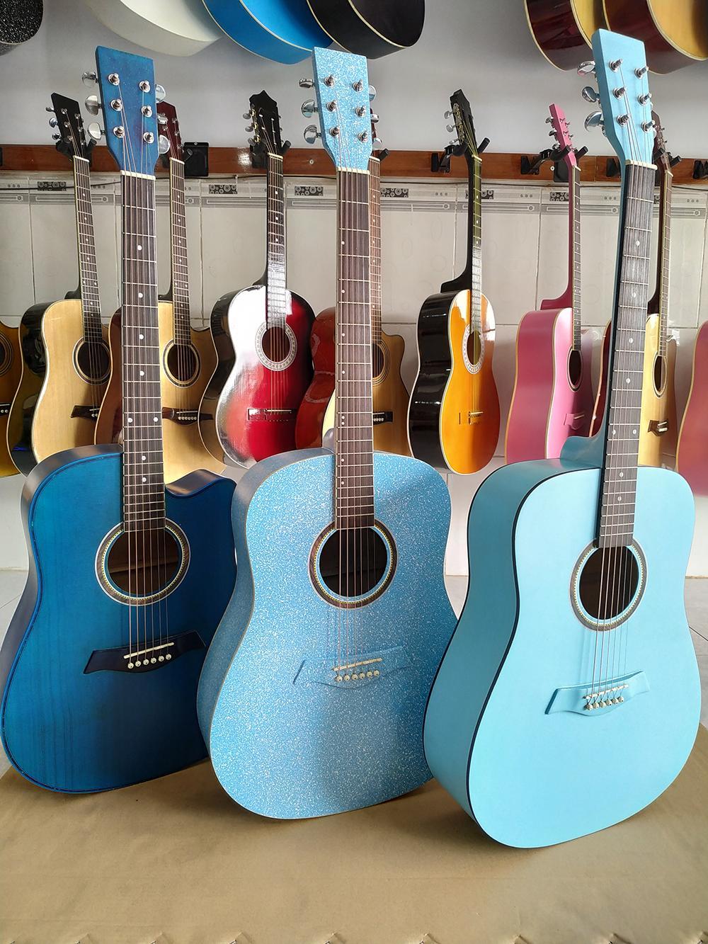 Guitar Acoustic Màu
