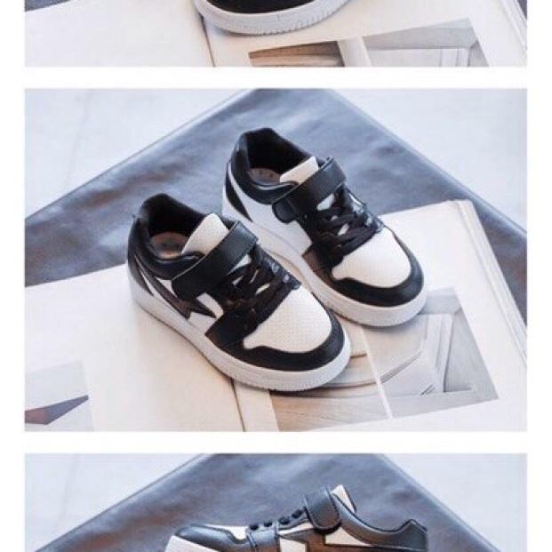 Giày thể thao đen trắng giá rẻ