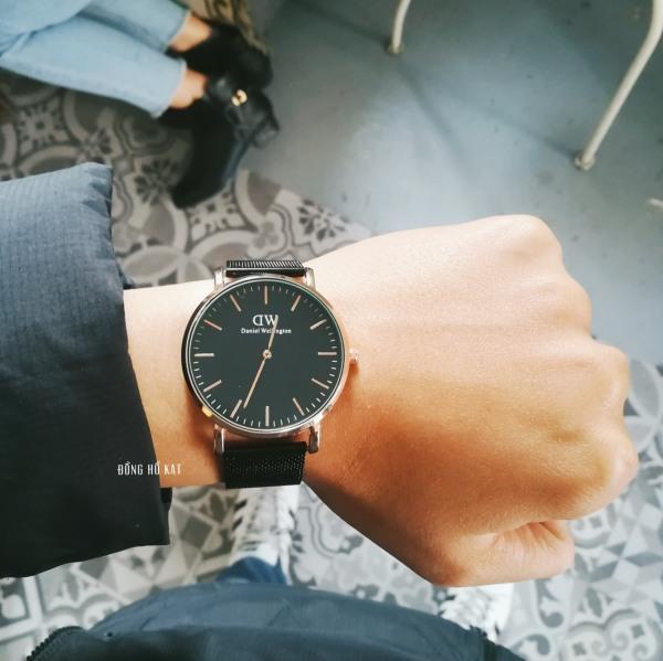Đồng hồ DW nam - đen mặt viền vàng bán chạy