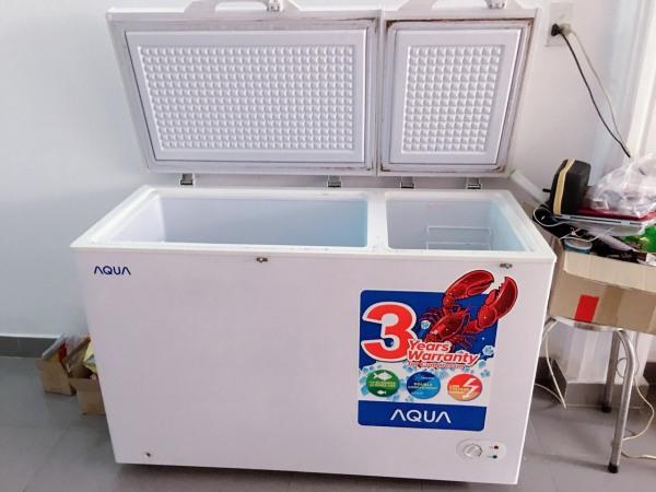 Tủ đông 2 ngăn hiệu AQUA dòng cao cấp R390, tiết kiệm điện