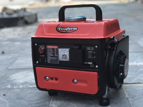 Máy phát điện mini chạy xăng 2 thì Vinafarm 950 công suất 950w giật tay