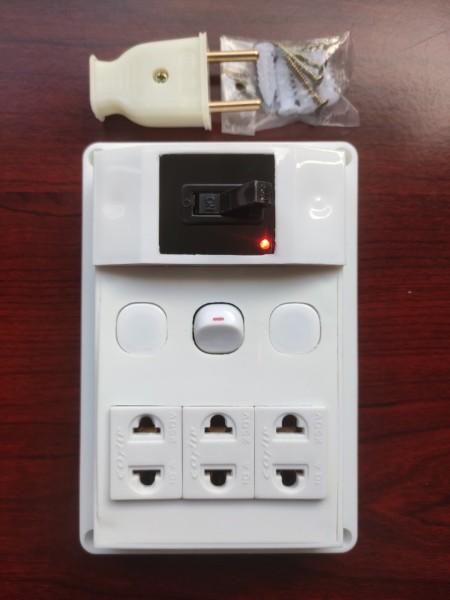 Bảng điện nổi cao cấp + CB atomat 30A chống quá tải + BH 01 năm + 01 Công tắc + Ổ cắm nhíp chống giãn + Công suất 2000W + Đèn LED báo + Đi dây sẵn sàng và bộ ốc vít lắp đặt (bộ 01 sản phẩm)