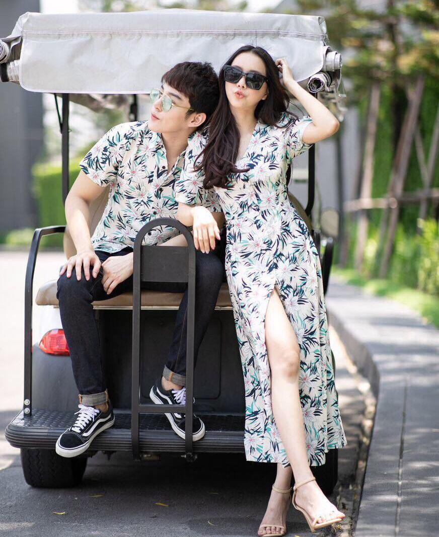 Set áo váy đôi đi biển họa tiết hoa lá, váy MAXI xẻ tà sơ mi nam ngắn tay 2019 - AV20