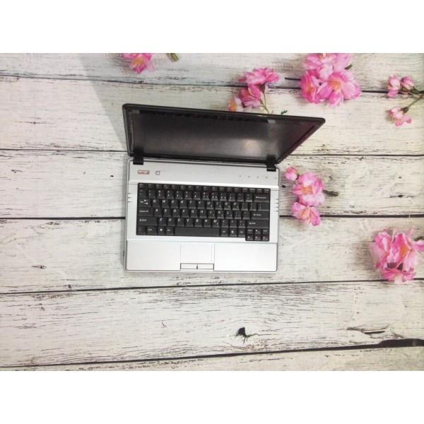 laptop cũ lenovo G430 co2 duo máy đẹp và nguyên bản zin hết.