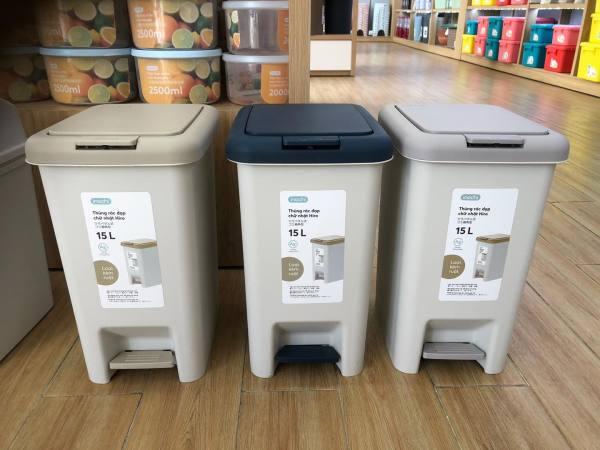 Thùng rác chân đạp Hiro 15L, 10L hàng chính hãng xuất Nhật Bản công nghệ Ag+ (ion bạc) kháng khuẩn khử mùi