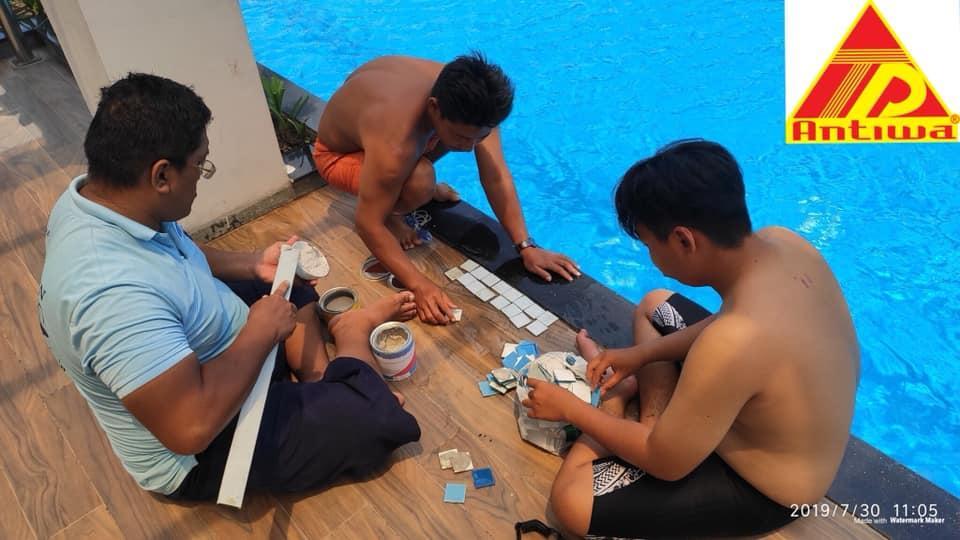 Keo Dán Gạch Hồ Bơi Trực Tiếp Dưới Nước Bộ 1,5 KG