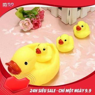 Đồ chơi Đàn vịt thả bồn tắm có tiếng chút chít cho bé gồm 1 vịt mẹ và 3 vịt con thumbnail