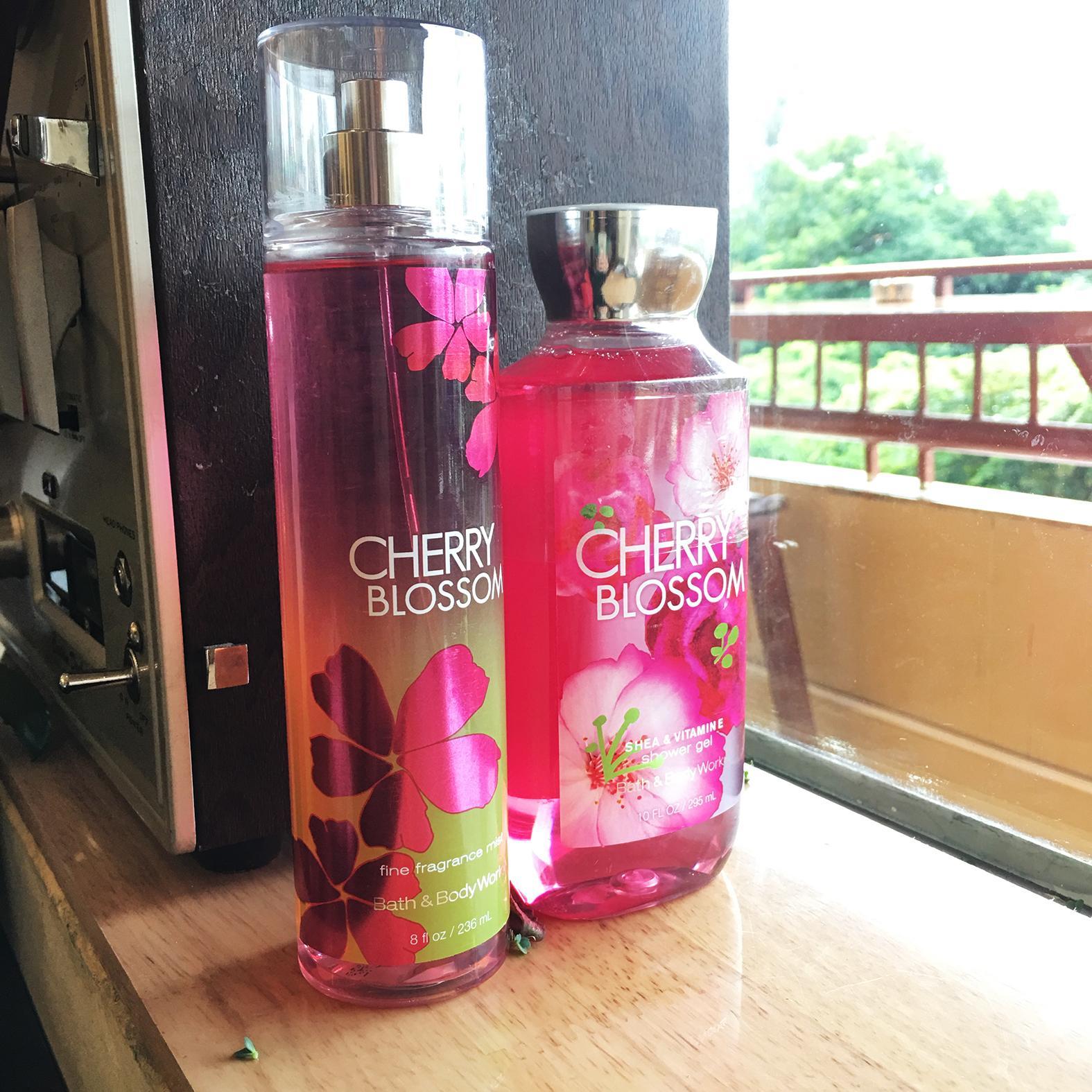 Combo Gel tắm và Nước hoa body dạng sương Bath & Body Works - Mùi Cherry blossom