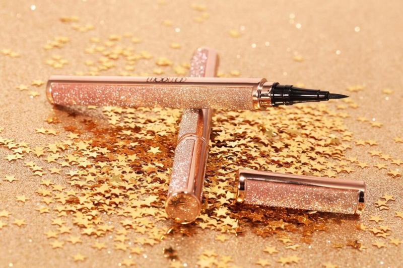 Bút Kẻ Mắt Nước không trôi Wodwod Star Auricle Lasting Eyeliner No.W739 nhập khẩu