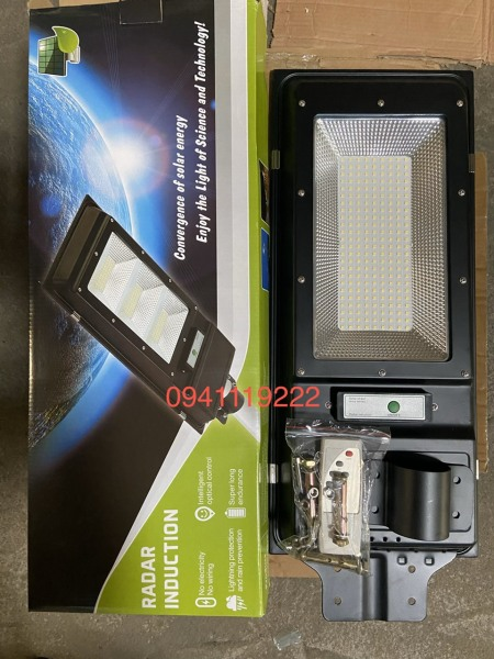 đèn đường năng lượng mặt trời 200w vỏ nhôm